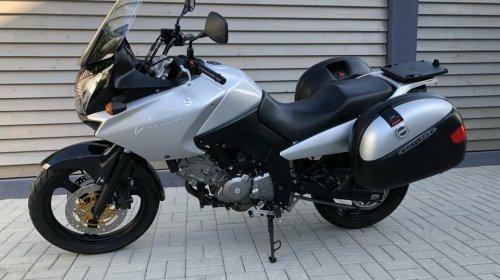 Suzuki DL650 2005.