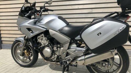 Honda CBF1000 2006.